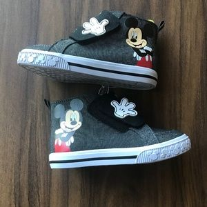 Disney Mickey Mouse Size 9 Toddler Shoes